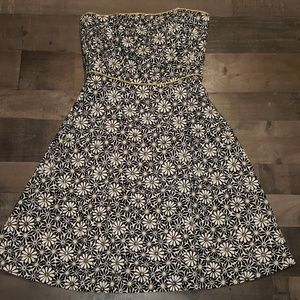 Dresses & Skirts - 🎄Awesome tubeless daisy dress with sparkle